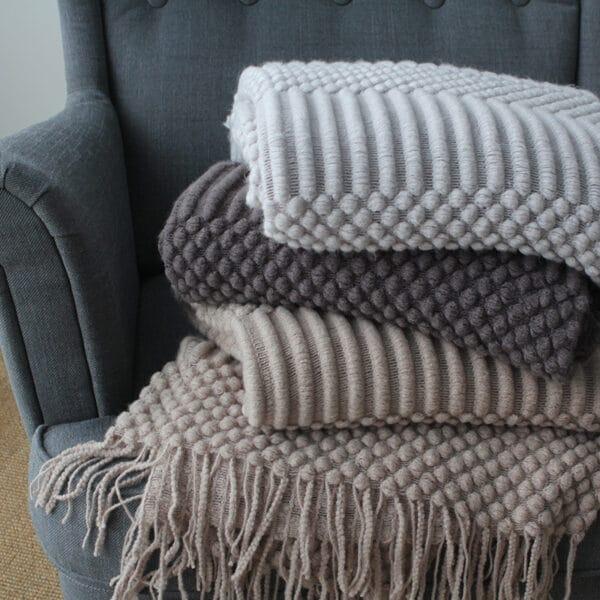 Plaid ou Couverture de sieste couleur unie nordique   Plaid en tricot, confortables et chaudes pour lits, canapé...