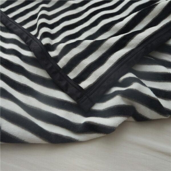 Plaid/Couvre-lit Blanc et Noir   Zébré blanc avec rayure noire