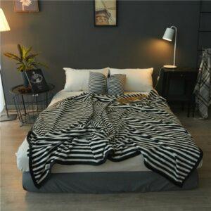 Plaid/Couvre-lit Blanc et Noir | Zébré blanc avec rayure noire