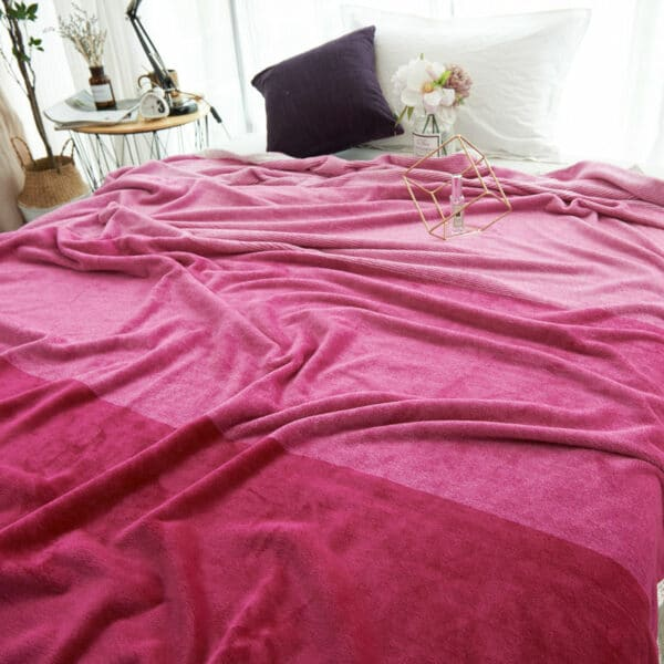 Plaid coloré avec bord blanc   Couvre-Lit Rose